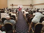 dubes-ri-untuk-qatar-marsekal-madya-tni-purn-muhamad-basri-sidehabi-melakukan-pertemuan-dengan-wni_20170606_221035.jpg