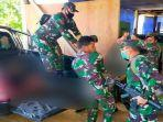 evakuasi-prajurit-tni-yang-tewas-dalam-serangan-kkb-papua.jpg