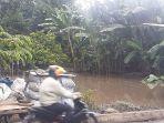genangan-air-pasca-banjir-di-kelurahan-wolomarang-kecamatan-a.jpg