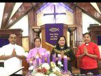 gereja-maranatha-pose-bersama-ketua-majelis-jemaat-maranatha-oebuf.jpg