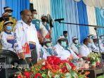 gubernur-papua-lukas-enembe-melepas-kontingen.jpg