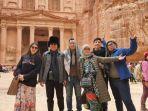 irjen-pol-hamidin-saat-berkunjung-ke-petra-yordania-bersama-keluarga.jpg