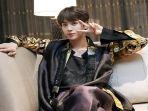 jin-bts-kenakan-pakaian-hanbok_20180924_084219.jpg