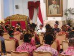 jokowi-janji-istana-presiden-dibangun-di-papua-mulai-tahun-depan-tokoh-papua-tepuk-tangan.jpg