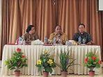 kadis-pendidikan-dan-kebudayaan-sbd-wakil-bupati-sbd-dan-provincial-manager-inovasi-untuk-sumba_20180808_150352.jpg