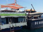 kapal-angkutan-pakaian-rombengan_20180517_105114.jpg