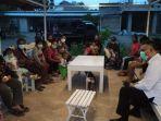 keluarga-dan-pasien-yang-kembali-dari-surabaya.jpg