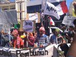 ketua-koordinator-umum-aksi-solidaritas-untuk-kasus-marosi-umbu-agus_20180430_220101.jpg