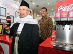 ketua-majelis-ulama-indonesia-mui-maruf-amin-menunjukkan-coca-cola_20171217_115753.jpg