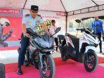 komandan-di-lanud-el-tari-kupang-kolonel-pnb-agus-setiwan-st-saat-simulasi-safety-riding.jpg