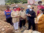 krisdayanti-saat-berdoa-bersama-untu-pembangunan-gereja-di-malang.jpg