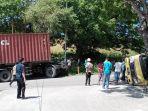 kronologi-tabrakan-truck-aviant-vs-kontainer-di-jalan-paradja-km-6-jurusan-pelabuhan-tenau.jpg