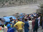 ledakan-bus-di-pakistan-tewaslan-5-warga-china.jpg
