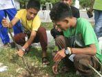 mahasiswa-menanam-pohon_20170916_214616.jpg