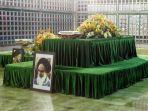 makam-ayatollah-khomeini-di-teheran_20170607_175424.jpg