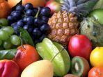 makan-buah-segar-dan-jus-fakta-atau-mitos.jpg