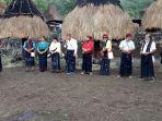 masyarakat-kampung-gurusina-gelar-acara-adat-ka-ngadhu-bhaga.jpg