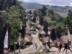 masyarakat-kampung-prai-ijing-sumba-barat-sambut-kunjungan-dprd-banteng-sulawesi-selatan.jpg