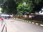 mobil-ambulans-berlogo-partai-gerindra-terparkir-di-halaman-depan-gedung-unit-reserse-mobil.jpg