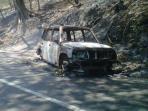 mobil-terbakar-di-camplong.jpg