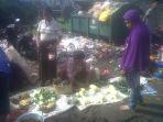 para-pedagang-berjualan-di-pasar-wolowona-ende_20180310_130354.jpg