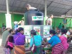 para-pedagang-di-pasar-lolowa-kabupaten-belu-mencuci-tangan-di-wastafel.jpg