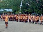 para-peserta-pesta-siaga-saat-apel-penutup-acara-pesta-siaga-di-sdk-wolorae-kelurahan-danga-mbay_20181027_201138.jpg