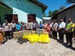peduli-korban-bencana-banjir-kapolres-dan-ketua-bhayangkari-cabang-ttu-salurkan-bantuan.jpg