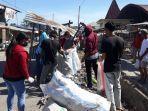 peduli-lingkungan-omk-di-kecamatan-lembor-kabupaten-mabar-bersihkan-sampah-di-pasar.jpg