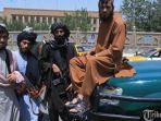 pejuang-taliban-berjaga-jaga-di-sepanjang-jalan.jpg