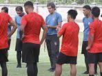 pelatih-bali-united-3.jpg