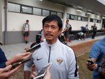 pelatih-tim-nasional-u-19-indra-sjafri-seusai-memimpin-latihan-di-lapangan-abc-senayan-jakarta_20181014_093302.jpg