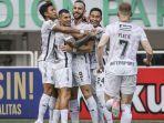 pemain-bali-united-ilija-spasojevic-merayakan-gol-bersama.jpg