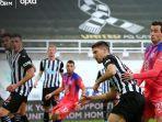pemain-newcastle-united-federico-fernandez.jpg