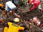 pencarian-korban-banjir-di-desa-nelelamadike-kecamatan-ile-boleng-flotim.jpg