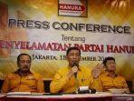 pendiri-partai-hanura-wiranto-menggelar-konferensi-pers.jpg