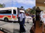pengantin-naik-mobil-ambulans_01.jpg