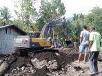 penggalian-mencari-korban-banjir-bandang.jpg