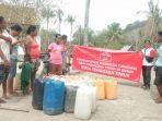 perhimpunan-inti-ntt-beri-bantuan-air-bersih-kepada-warga-desa-pathau.jpg
