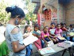 peringati-hari-anak-nasional-komunitas-pondok-mataleza-di-nagekeo-ajak-anak-anak-membaca-buku.jpg