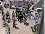 persiapan-evakuasi-pilot-batik-air-yang-pingsan-dalam-penerbangan-jakarta-kupang.jpg