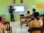 personel-satgas-pamtas-ri-rdtl-yonif-mengajar-siswa-di-perbatasan.jpg