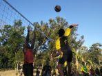 pertandingan-bola-voli-antara-tni-dan-pemuda-fafi.jpg