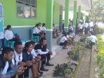 peserta-menunggu-untuk-mengikuti-tes-cpns.jpg