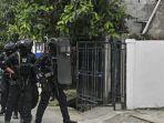 polisi-tangkap-2-terduga-teroris-di-kalimantan-tengah-ini-inisialnya.jpg