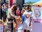 polres-belu-beri-bantuan-bagi-pengungsi-di-tasain.jpg