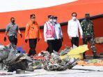 presiden-jokowi-apresiasi-tim-sar-gabungan-dalam-operasi-jatuhnya-pesawat-sriwijaya.jpg