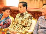 presiden-jokowi-bersama-menteri-kelautan-perikanan-susi-pudjiastuti_20160913_174149.jpg