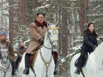 presiden-korut-kim-di-pegunungan.jpg
