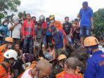 proses-evakuasi-jenazah-korban-banjir-bandang-dan-longsor.jpg